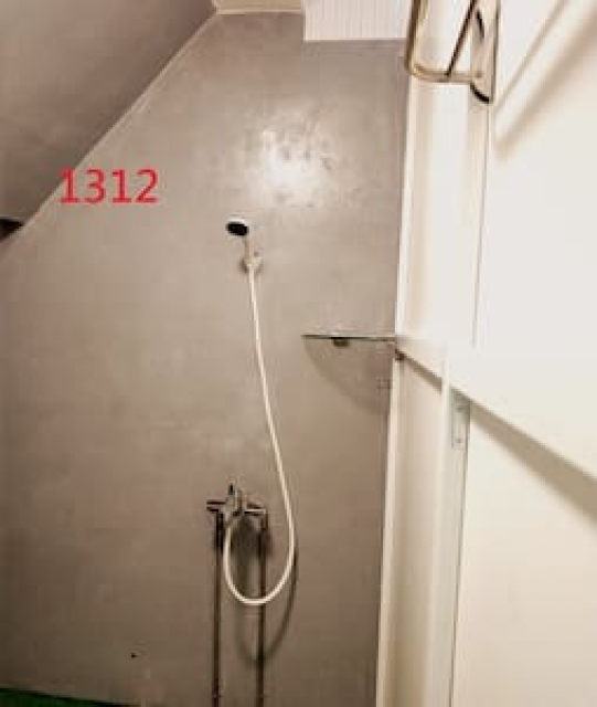 Room 1312 高雄左營區,建業客棧,近國訓中心,4.5坪(約13.5M2)