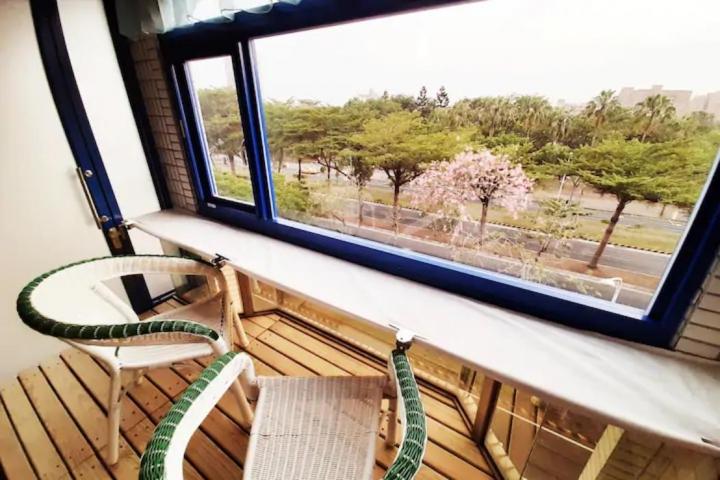 Room 38741  台南市區,近成大,典雅經濟4人套房 ,15坪(約45m2)