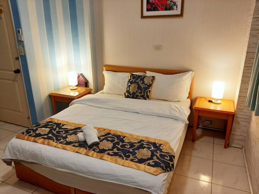 Room 2532 台南市區,近南紡夢時代,2人套房,6坪(約18m2)