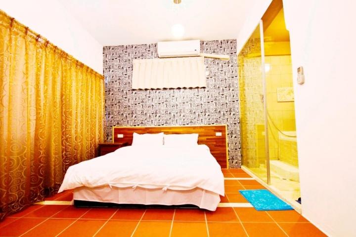 Room 3611 台南(溫馨房),雙人房,近安平景點,停車方便,9坪(約27m2)?now=20190619064412