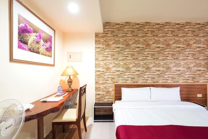 Room 3641台南(華麗房) ,2人房,近安平景點,停車方便,15坪(約45m2)?now=20190619073420