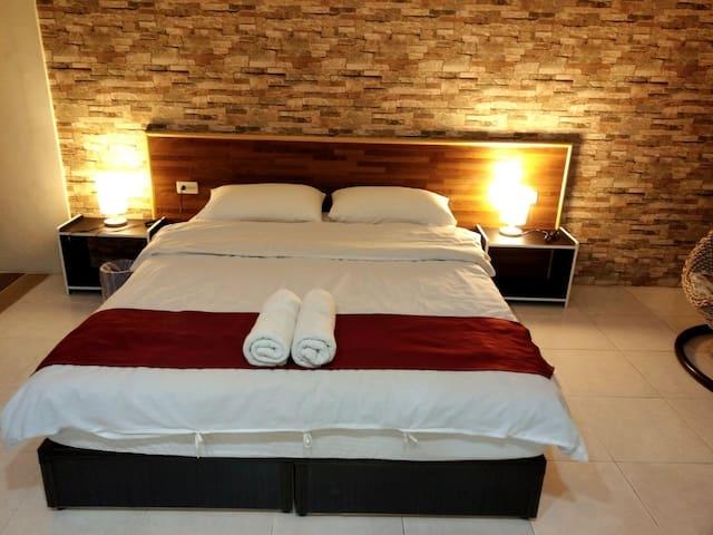 中西區-安平客棧 Room 3641(華麗房)