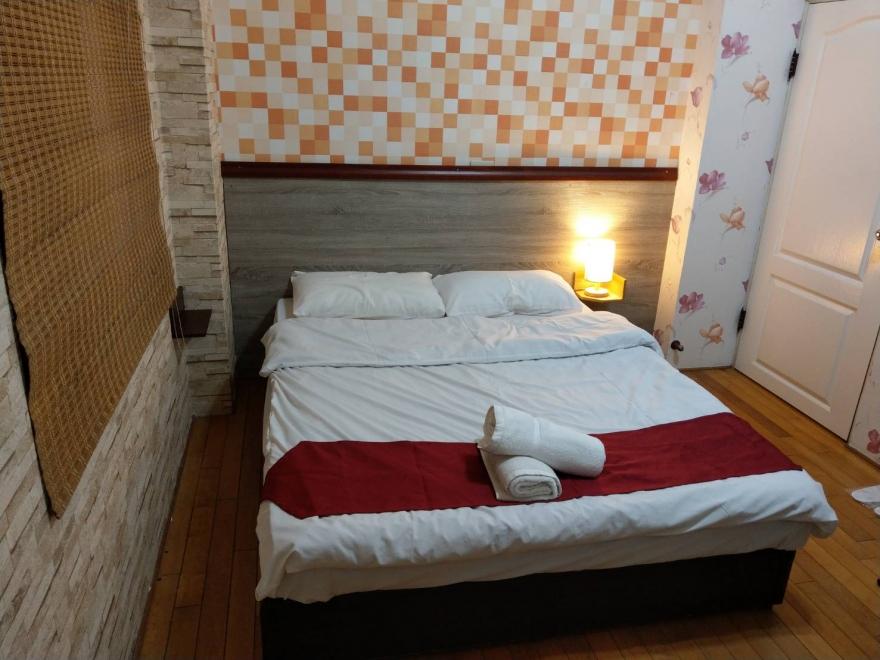 Room 2722 台南市區,近南紡夢時代,雙人套房,6坪(約18m2)