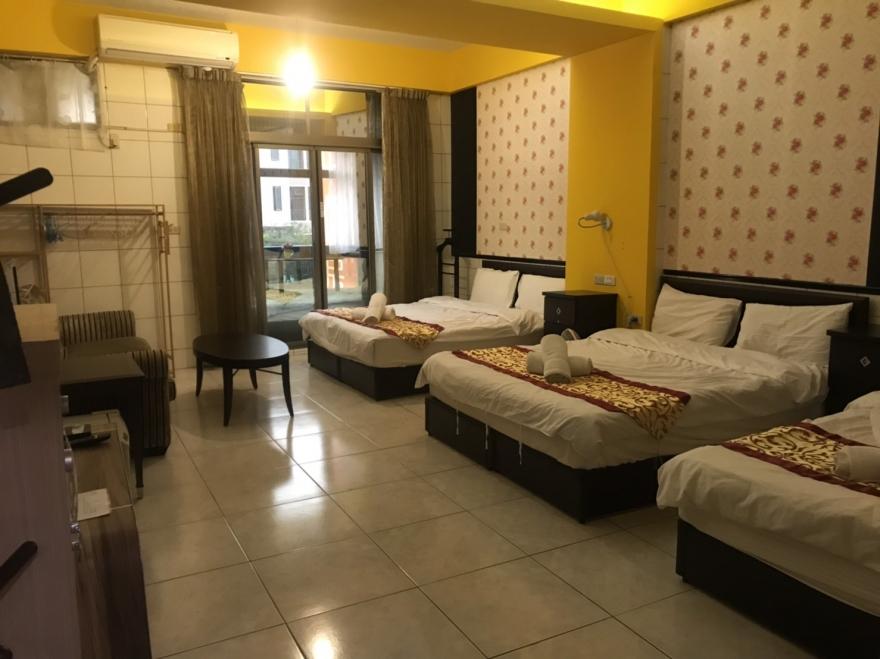 Room 8031 台南市區,生活機能佳,近成大,6人套房,15坪(約45m2)
