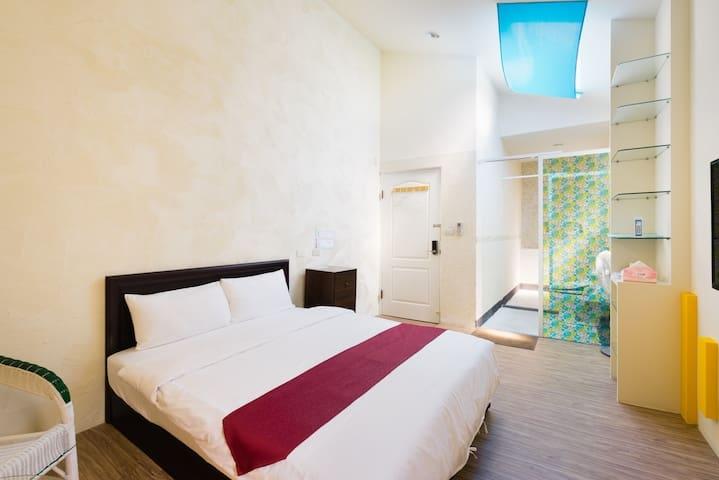 Room 3631台南(歐風房) ,2人房,近安平景點,停車方便,7坪(約21m2)