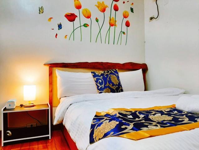 Room 38732 台南市區,近成大,溫馨6人套房,15坪(約45m2)