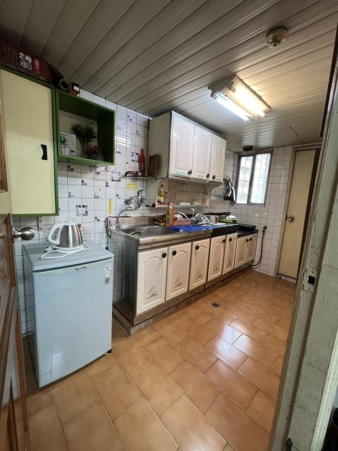 近東寧公園/長榮中學Tainanbnb2185三房兩廳電梯公寓